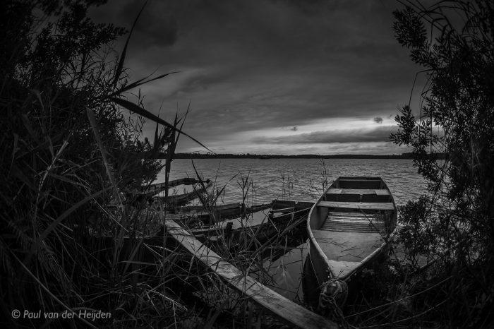 Roeiboot in meertje, Les Landes, Frankrijk